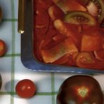 Śledź w sosie pomidorowym z cebulą - super prosty przepis