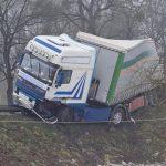 Wypadek na DK11, jedna osoba nie żyje. Zderzenie tira z osobówką. - WYPADKI #15 - WYPADKI